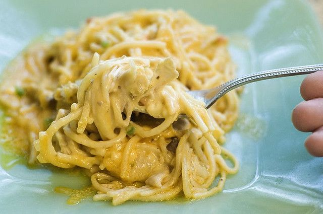 Chicken Spaghetti from The Pioneer Woman CooksRee Drummond, Pioneer Woman Chicken, The Pioneer Woman, Chickenspaghetti, Cheesy Chicken, Freezers Meals, Spaghetti Recipe, Pioneer Women, Chicken Spaghetti