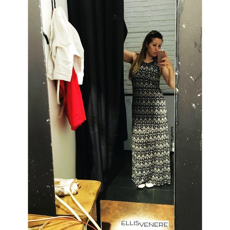 Non posso resistere al lungo! Sportivo, da sera, hippie...mi sono sempre sentita a mio agio! Questo è il mio ultimo acquisto @ovspeople #dress #mystyle #ellisvenere #fashionblogger #imageconsultant #personalstylist #fashiondiaries