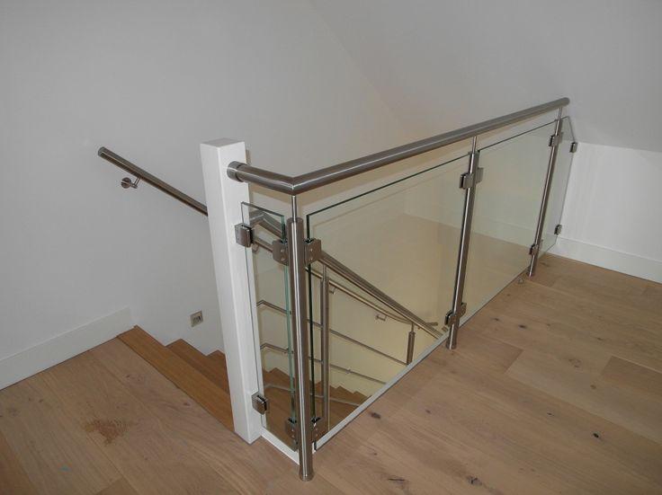 Glasbalustrade met rvs trapleuning op zolder rvs glazen balustrades pinterest - Mezzanine verlichting ...
