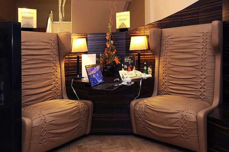 The Corporate Lounge can be also found on the level of the Gallery Café where we offer our guests complimentary internet access.