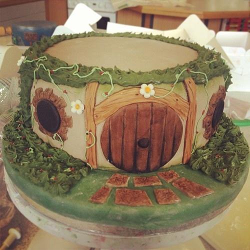 HOBBIT CAKE!!: