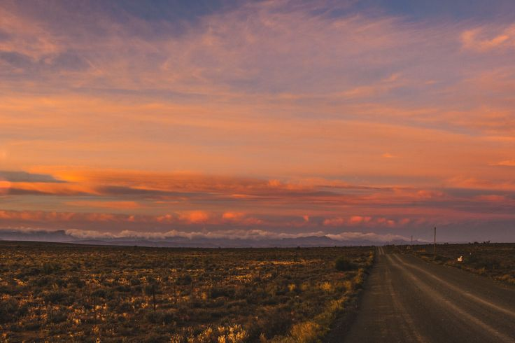what a stunning sight, the night fading into day (on the road from Rietbron to Seekoegat)