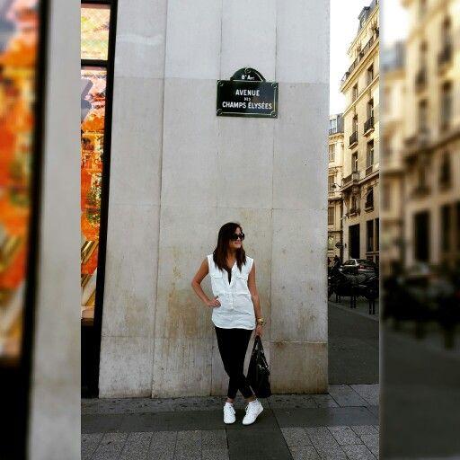 Champs Elysées. White tennis.