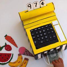 Tutorial para hacer una caja registradora de juguete con cartón