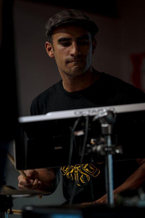 Kinaki - Eammon on the drums