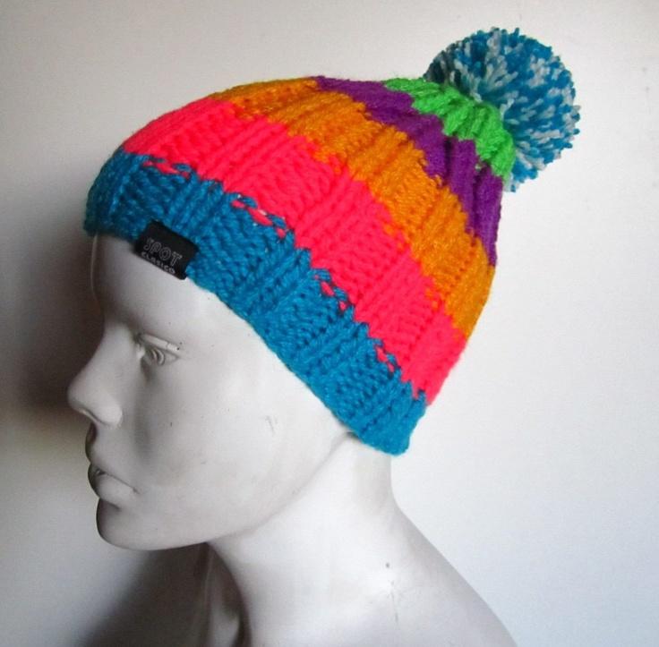 gorro de lana con pompon modelo colored exclusivo