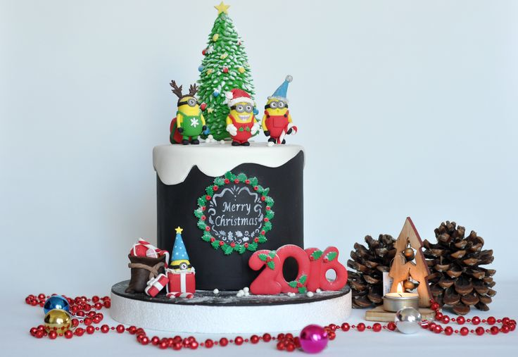 A christmas cake ideas with the funny MİNNİONS :)