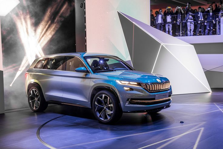 Highlight of the concept vehicle is its plug-in hybrid drive: with 165 kW (225 hp), the show car accelerates from 0 to 100 km/h in 7.4 seconds with a top speed of almost 200 km/h. #VisionS ---> http://goo.gl/ed9yfR