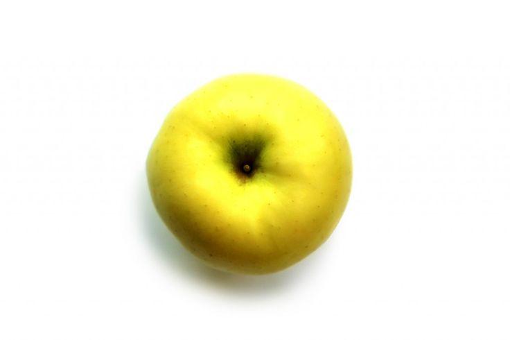 Apel dikenal sebagai buah yang paling menyehatkan dan mudah ditemui di pasaran, tapi apel juga salah satu buah yang memiliki begitu banyak jenis. Sebagai bu