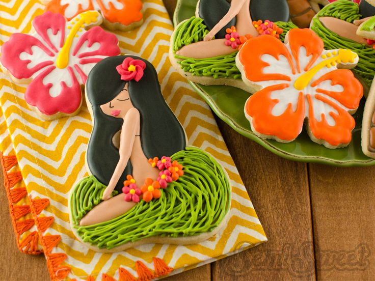 How to make hula girl cookies using a flip flop cutter. Just follow this step-by-step tutorial on decorating sugar cookies with royal icing.
