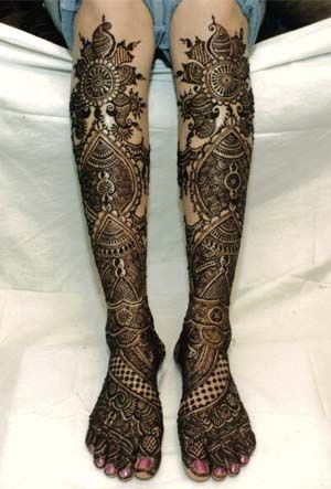 Bridal knee length mehendi or henna designs.
