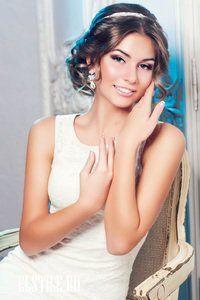 свадебные прически с ободком на средние волосы фото