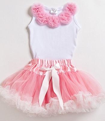 Pretty in pink birthday wear for a little girl!  Sweet!