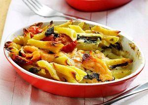 Zapiekanka makaronowa z gorgonzolą i łososiem