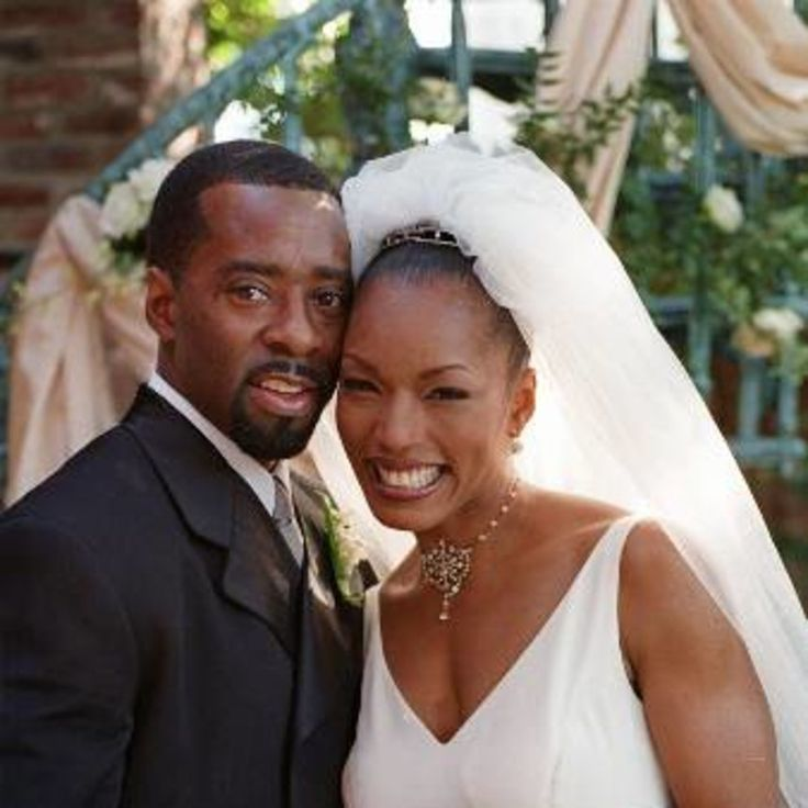 Black Love: Angela Bassett and Courtney B. Vance | Angela Bassett and Courtney B. Vance celebrate 14 years of marriage today!