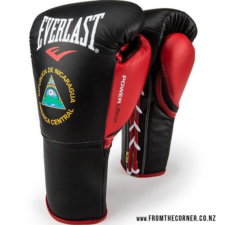Custommade Everlast boxing gloves for Roman Gonzalez, the