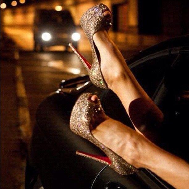 Gorgeous sparkle heels!