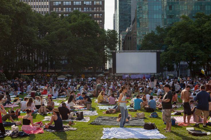 Cinema ao ar livre no Bryant Park | © Joana França