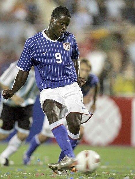 Argentina 4 USA 1 in 2007 in Maracaibo. Eddie Johnson scores from the penalty spot on 9 minutes and USA lead 1-0 in Group C at Copa America.