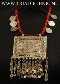 KUCHI KETTING GUJARAT INDIA 004 80