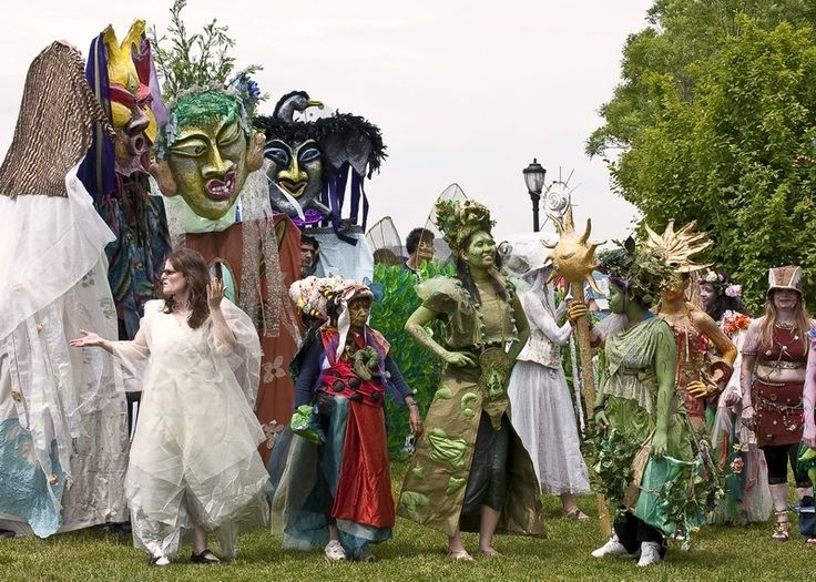 Earth Celebrations Hudson River Pageant, New York City. Photo by Rachel Elkind.
