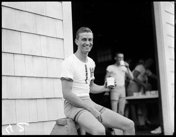 Франклин Делано Рузвельт-младший в Гарварде, 1936 год.