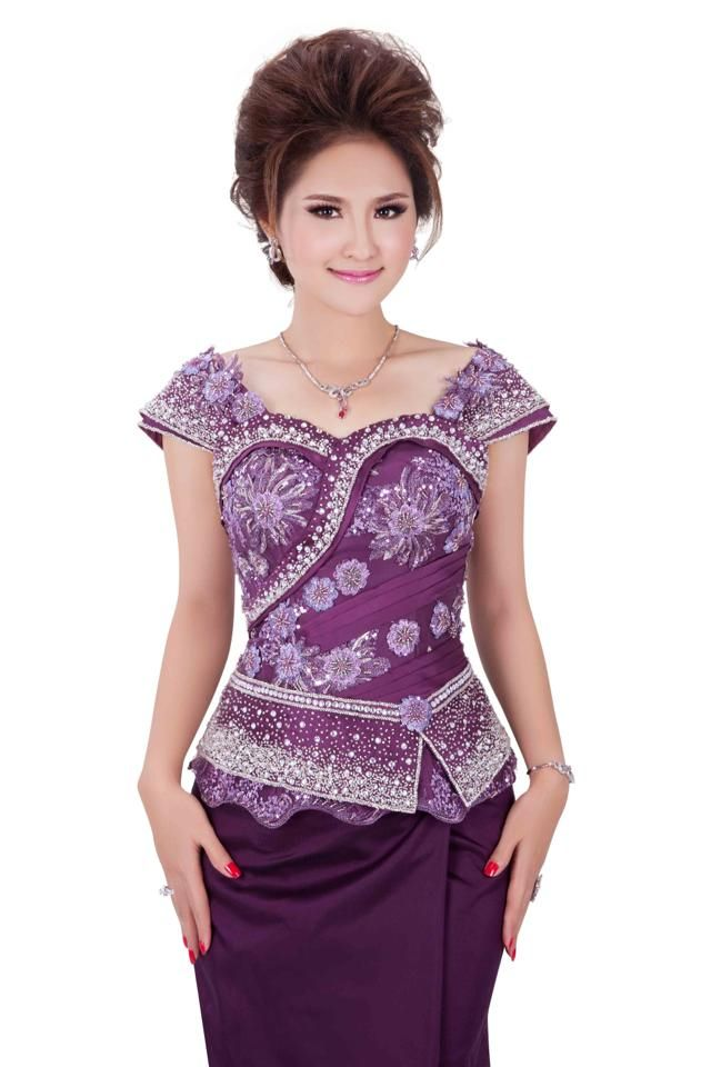 http://www.khmer-dress.com/beautiful-womens-dresses-for-wedding-and-parties-you-will-like-1-photo/