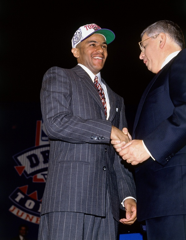 The Raptors made their first-ever pick at the NBA Draft count -- selecting future Rookie Of The Year Damon Stoudamire with the seventh overall pick in 1995. (NBA Photos/Getty Images)