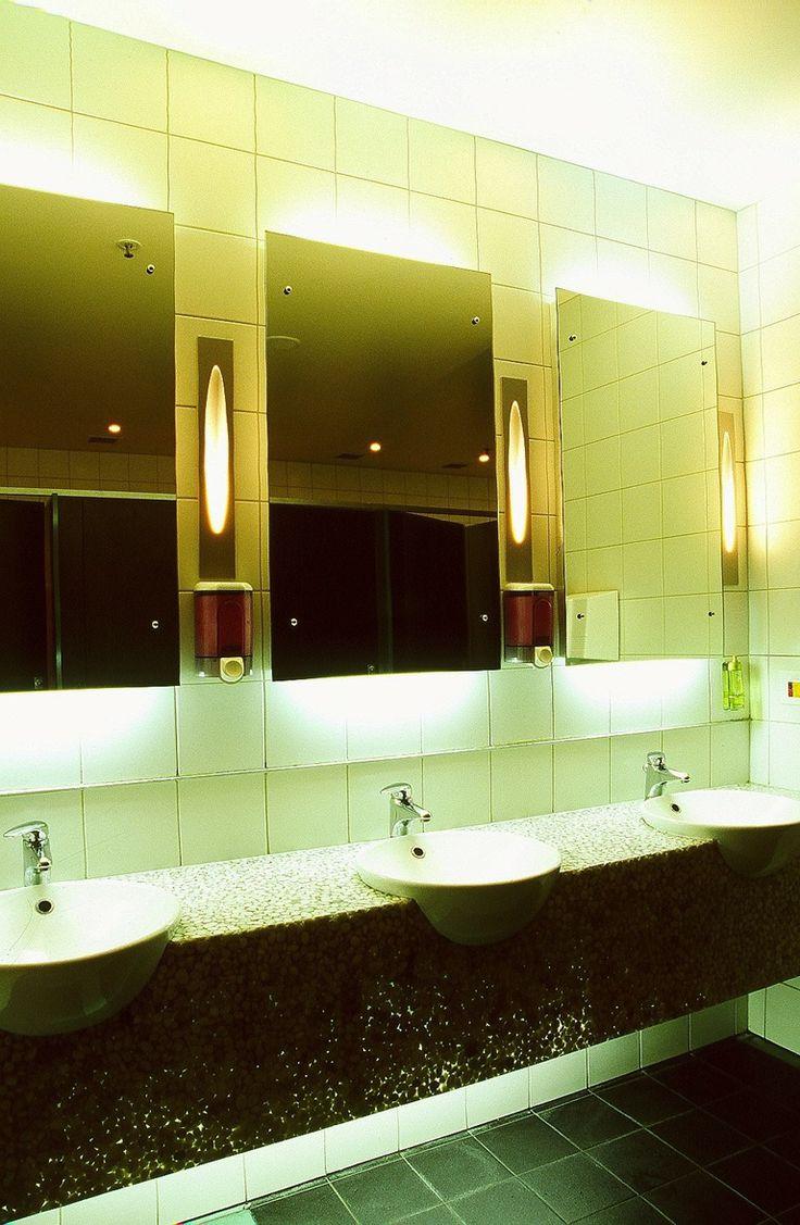 Les Mills Takapuna, bathroom lighting
