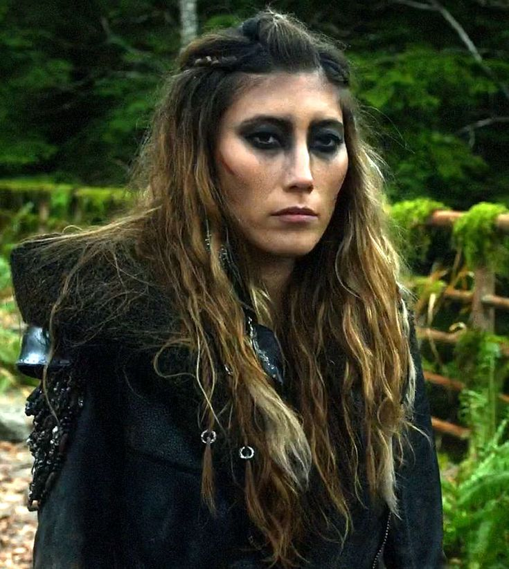 dichen lachman the 100 I love the hair!