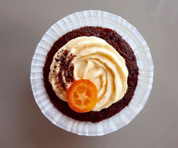 Appelsiini-suklaa cupcake