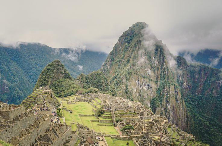 Die Zeit ist reif die berühmteste Attraktion Perus zu besuchen. Viele Wege führen nach Machu Picchu, der lange vergessenen Inkastadt. Bis heute sind sich die Archäologen nicht einig, zu welchem Zwe…