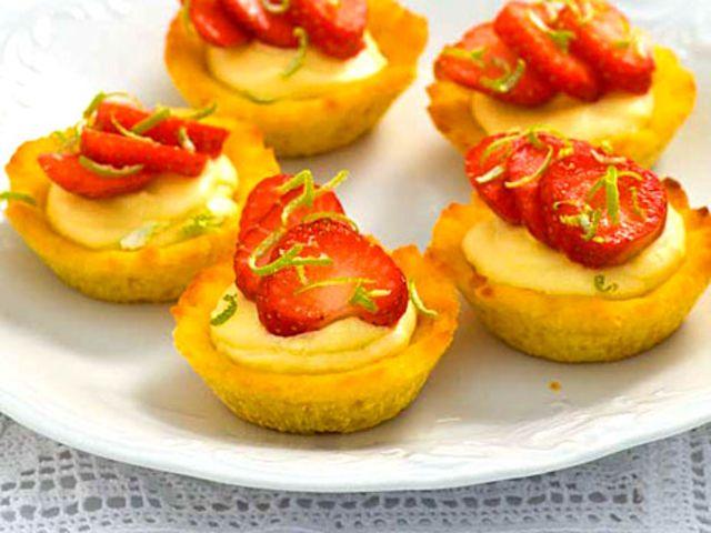 Glutenfri mandelkaka med limekräm (kock Mariann Andersson)