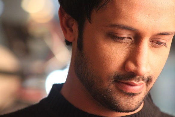 hey check the song of atif aslam on http://bollywoodflash.com/