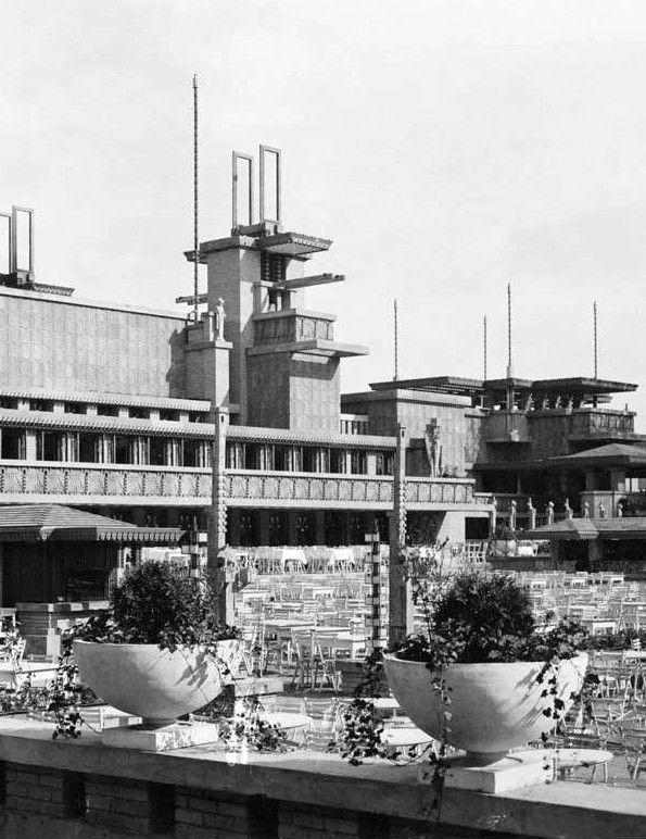 Frank Lloyd Wright's Midway Gardens (demolished 1923)