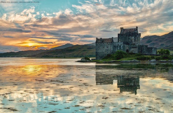 "Spectacular Scotland (@SpectacularScot) on Twitter: ""Eilean Donan Castle at sunset."""