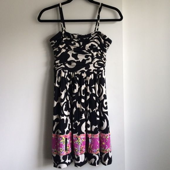 Plenty by Tracy Reese dress. New never worn Plenty by Tracy Reese dress.  Worn with straps or strapless . Black and off white. Chest is supported and has a strap build in.  It's adorable but I'm not much of a dress up girl🙊 Plenty by Tracy Reese Dresses Strapless