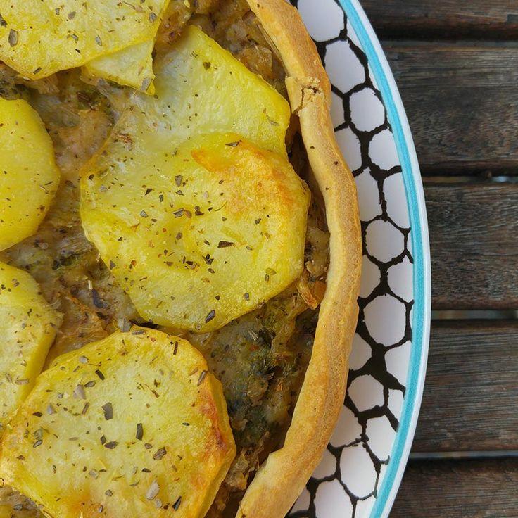 Quiche de brocoli y puerro con patata gratinada elaborada con bebida de almendras Almond Breez