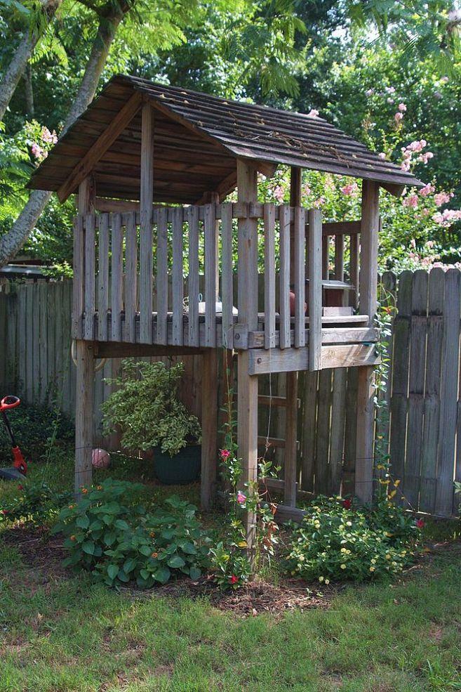 {Repurposed Playset Garden Fort!}