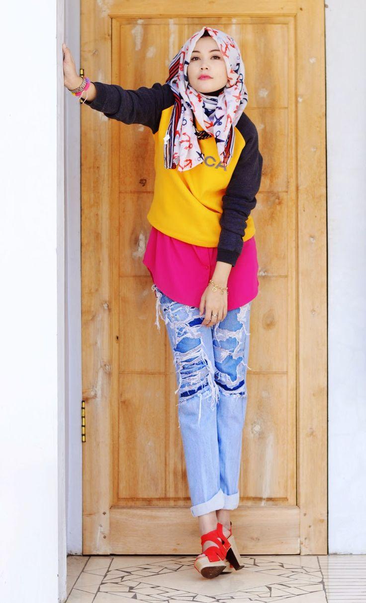 hijabholicanism: DISTRESSED JEANS