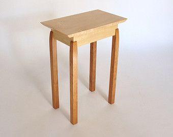 Mesa final: Arce tigre y acento cereza, pequeña mesa final, lado de la cama de la tabla - hechos a mano muebles de madera