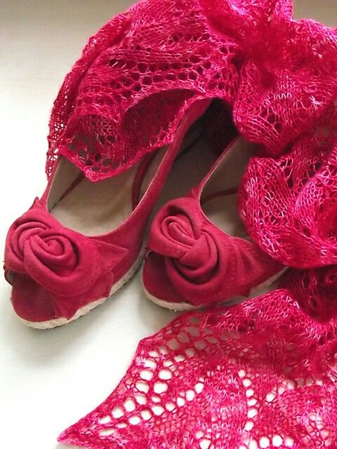 Breeze stole, lace, red