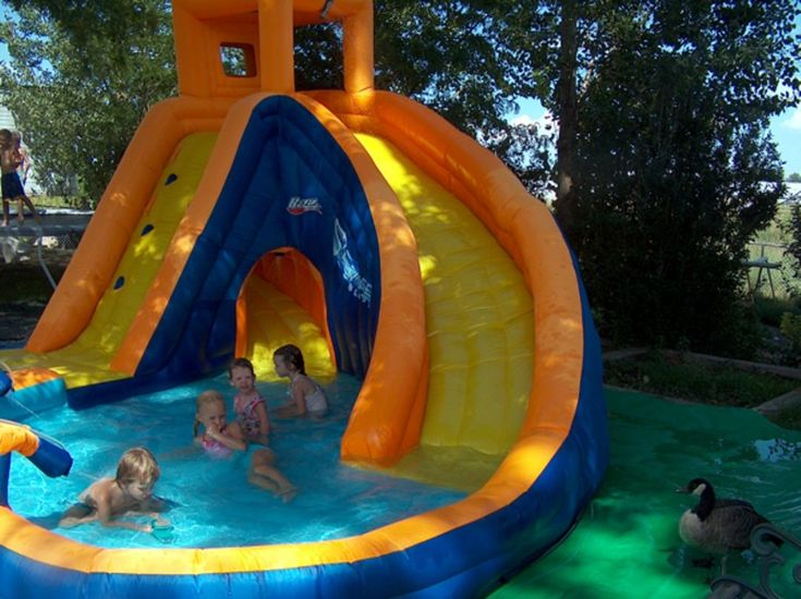 Neat idea for the kids! A fun place to play without ever leaving the backyard!