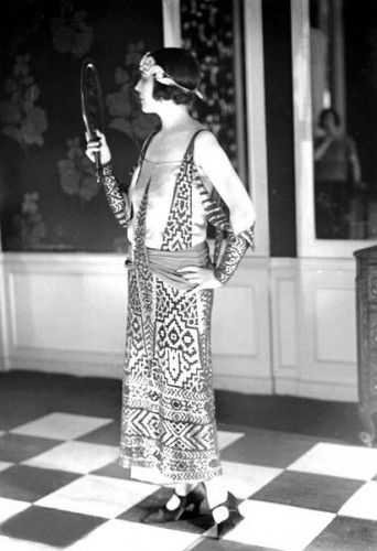 long dress 1920s lesson