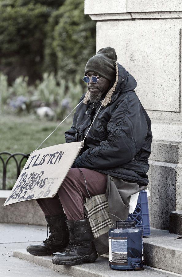 Outside New York City Public Library  by Ian Howard on 500px HomeLess, HomeLessNess, Sans Abris, Obdachlos, Senza Dimora, Senza Tetto, Poverty, Pobreza, Pauvreté, Povertà, Hopeless, JobLess, бідність, Social Issues, Awareness