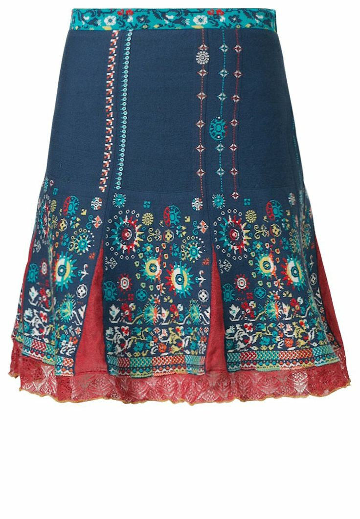 Ivko blue a-line skirt.which has a fittng waist.This skirt will give you a elegant look to your outfit.