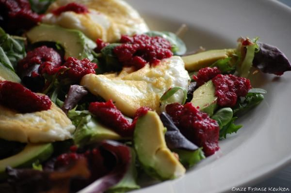 Grilled halloumi, avocado salad with beetroot dressing