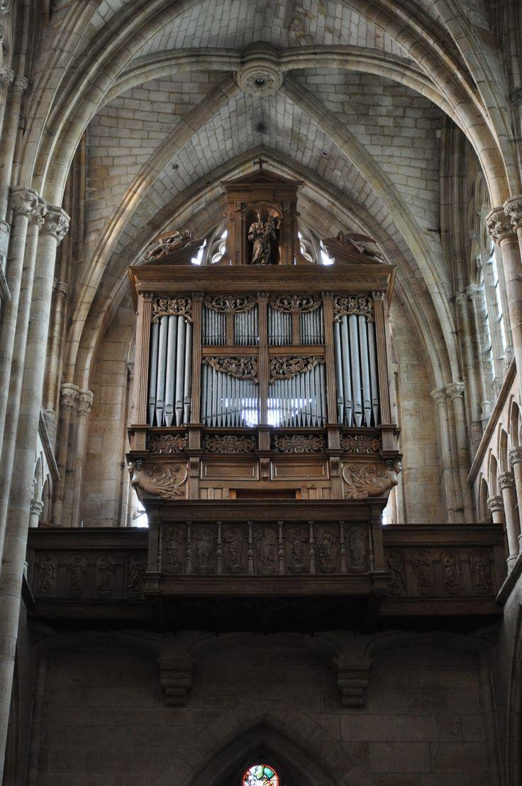 Notre-Dame de l'Épine - France (by Rooney Pinto)