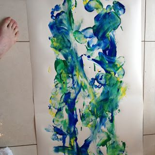 Flame: Creative Children's Ministry: Jesus walks on water: messy painting with feet!