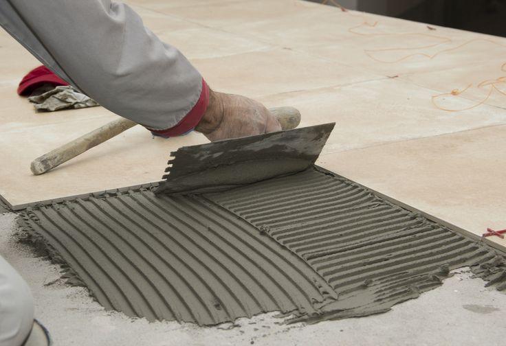 Quali sono i trucchi per posare le piastrelle? Leggi la nostra guida e scopri Prodecor, la linea di profili per la rifinitura, chiusura e protezione nella posa di pavimenti di pari livello in ceramica!